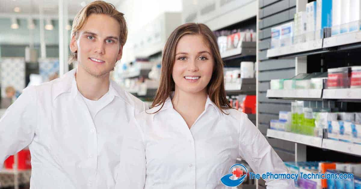 Difference between a pharmacy technician and a pharmacist